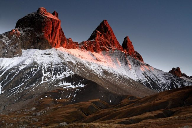 Arves Peaks in Red